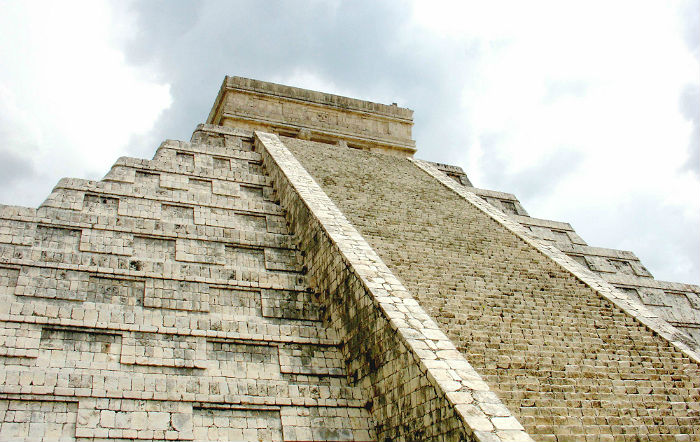 a photo of the temple at chitzen itza